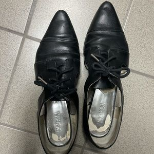 Micheal Kors black and silver flat pointy shoes